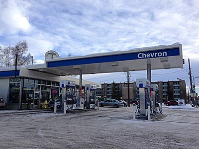 現地で有名なガソリンスタンドChevron