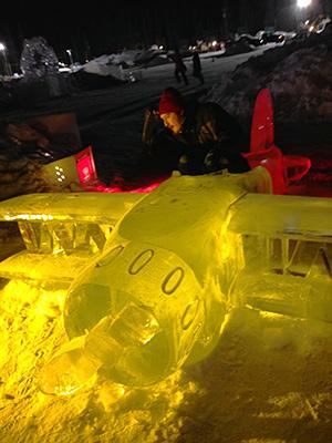 飛行機の氷像