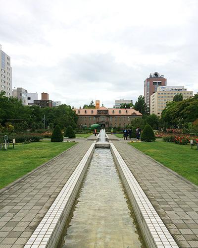 大通公園の終点に見える、札幌市資料館