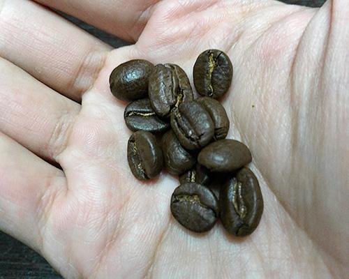 豆の色は少し明るめ。
