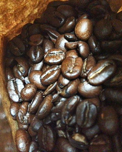 パッケージ内のコーヒー豆
